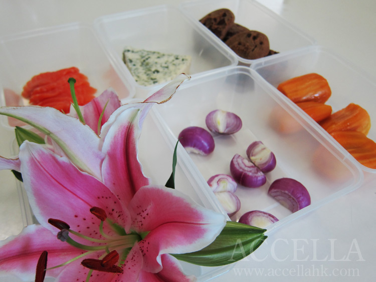 Our six odor sources: flowers, freshly cut shallots, chocolate chip cookies, salmon, cheese, and jackfruit.